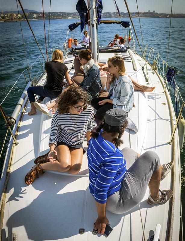 Passeio de barco veleiro